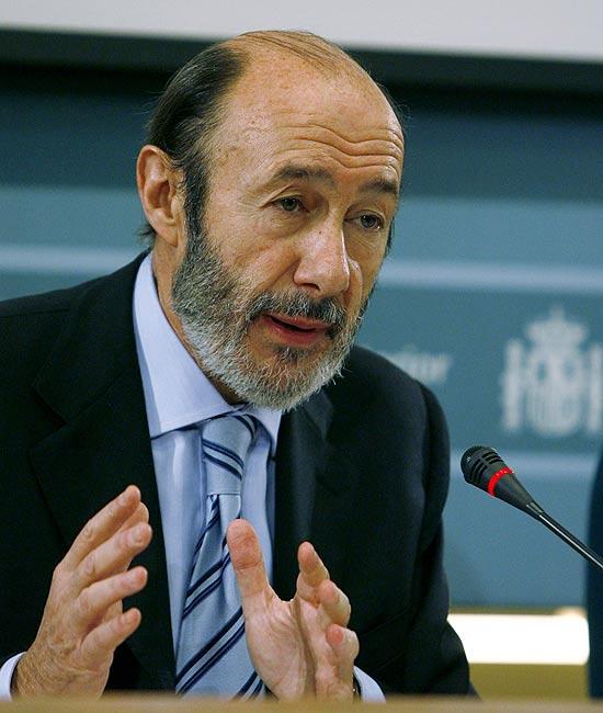 Rubalcaba ya se considera el jefe del partido