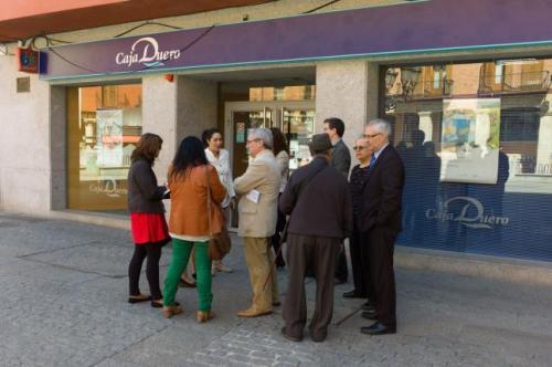 Empleados de Caja España-Duero en protesta por el fraude de la Caja y  el latrocinio de sus dirigentes.