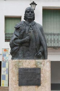Estatua de D. Álvaro de Luna en Cañete (Cuenca)