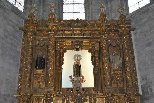 Antiguo retablo mayor de la Catedral, procedente de la iglesia parroquial de Arrabal de Portillo. En la actualiduad en la iglesia del Monasterio de San Benito el Real. 1703