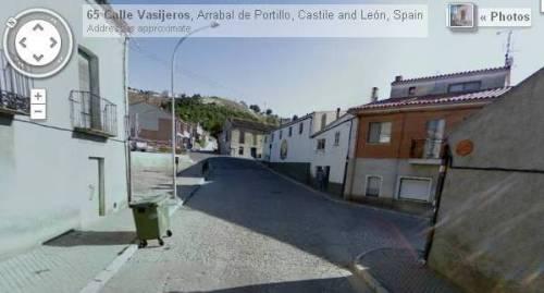 """6.- Parte final de la calle Vasijeros, junto al aparcamiento de Gascón y la alfarería de """"Velasco Gascón""""."""
