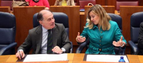 Tomás Villanueva y Pilar del Olmo, consejeros de Economía y de Hacienda respectivamente y causantes a la vez de la penosa situación económica de Castilla y León