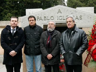 Socialistas en el homenaje a Pablo (Paulino) Iglesias.