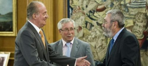 D. Juan Carlos de Borbón con los 'aprovechados' clasistas de UGT y CC.OO.