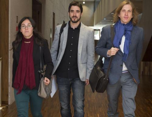 Los procuradores Juan Pablo Fernández Santos (D), Laura Domínguez Arroyo (I) y Pedro María de Palacio Maguregui (C), del Grupo Parlamentario Podemos CyL