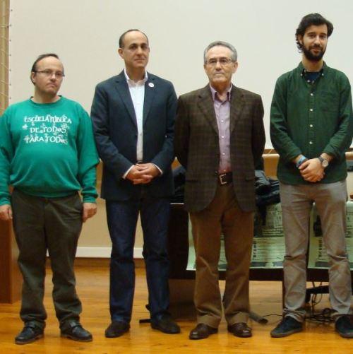 Parte de los representantes de formaciones políticas que comparecieron en el Aula Mergelina