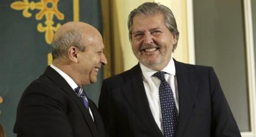 José Ignacio Wert, exministro de educación, e Íñigo Méndez de Vigo, nuevo ministro de educación.