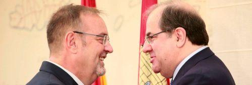 Fernando Rey, consejero de educación, y Juan Vicente Herrera, presidente de la Junta de Castilla y León.