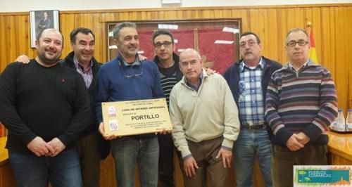 Alfareros de Portillo en la entrega del reconocimiento.
