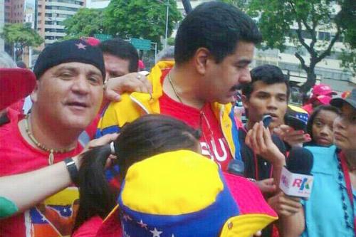 Andrés Bódalo, violento sembrador de terror en Andalucía, fotografiado con Nicolás Maduro en un acto del dictatorial chavismo bolivariano.