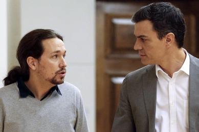 """Pedro Manuel, líder de """"Podemos"""" y Pedro Sánchez -""""El viru""""- líder del PSOE y candidato a la presidencia del Gobierno español."""