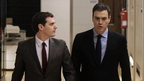 Alberto Rivera y Pedro Sánchez, protagonistas de la pérdida de tiempo para España y del desprestigiado pacto anhelado por el ciudadano Borbón.