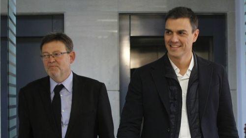 Ximo Puig acompañando al 'Doctor NO'