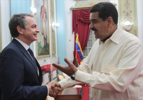 Zapatero y Nicolás Maduro: el tonto útil y el dictador corrupto.