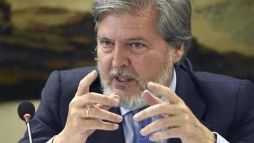 Méndez de Vigo, ministro de educación, cultura y deporte.