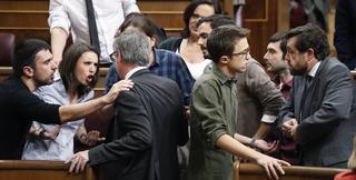 Odio y malos modos de Montero y el 'ministro de la vivienda' (Espinar) frente a la elegancia en el trato de Ciudadanos y PSOE.