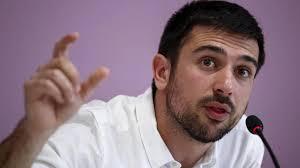 """El """"niño-pijo black"""" que aspira a ser jefe de 'Podemos' en Madrid, salvo que dimita en las próximas horas."""