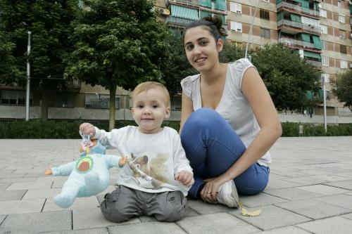 Mireia Cabanillas y su hija.