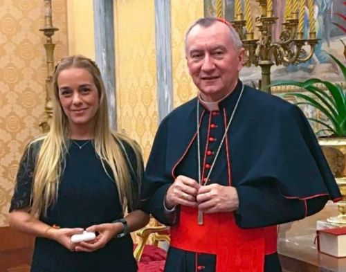 Lilian Tintori con el secretario de Estado del Vaticano, Pietro Parolin