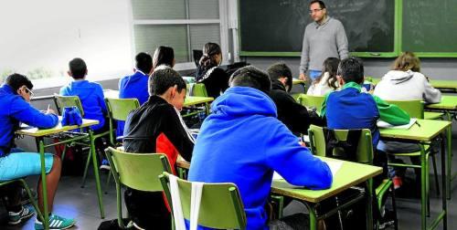Aula de Secundaria en un instituto público de Valladolid en el primer día de clase de este curso. / Ricardo Otazo