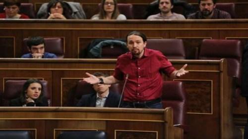 Pablo Iglesias en una sesión de control al Gobierno.