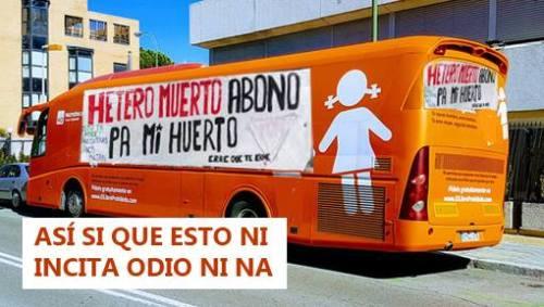 El famoso autobús de los penes y las vulvas es ya la metáfora perfecta del autobús del odio. Imagen de Agustín Muro