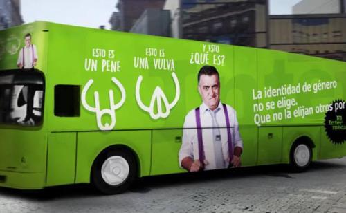 """El autobús de 'El Intermedio' en respuesta a la campaña de Hazte Oír. """""""